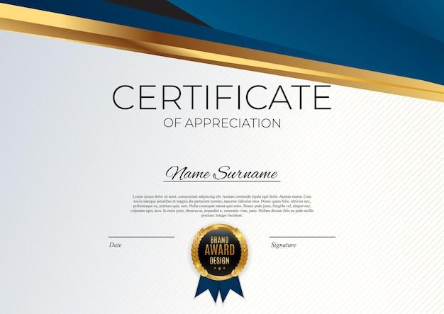 Certificato blu e oro del modello di realizzazione impostato sfondo con badge oro e bordo.