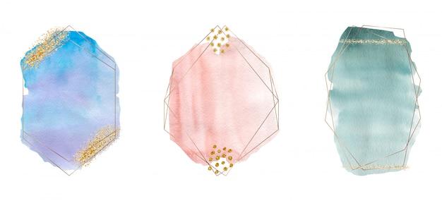 Acquerello di pennellata blu, verde e rosa con texture glitter oro, coriandoli e cornici poligonali di linee dorate.