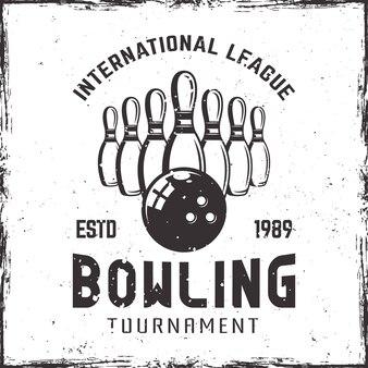 Nove birilli da bowling e emblema della palla in stile vintage