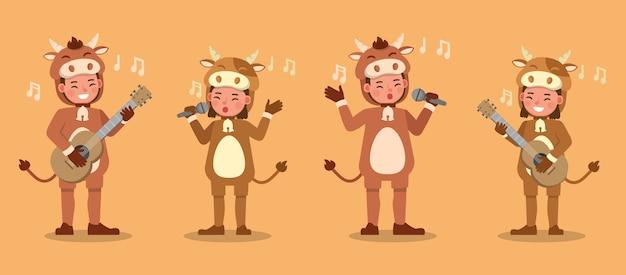 Ragazzo e ragazza che indossano il carattere dei costumi della mucca. presentazione in varie azioni con emozioni.