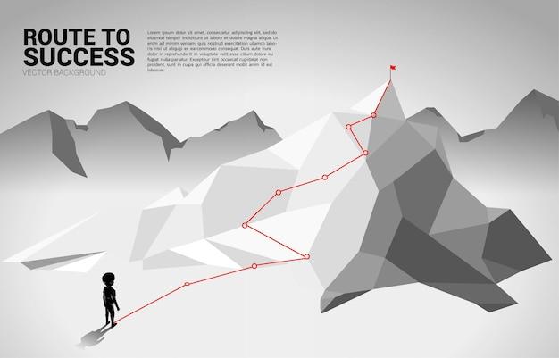 Ragazzo e percorso verso la cima della montagna illustrazione