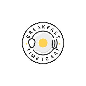 Ristorante per la colazione con cucchiaio forchetta hipster vintage retrò distintivo emblema logo design