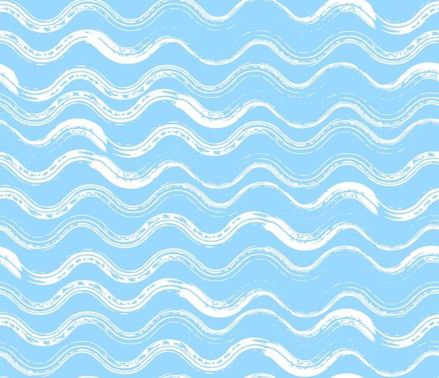 Modello senza cuciture blu brillante con pennellate di mare bianco ondulato