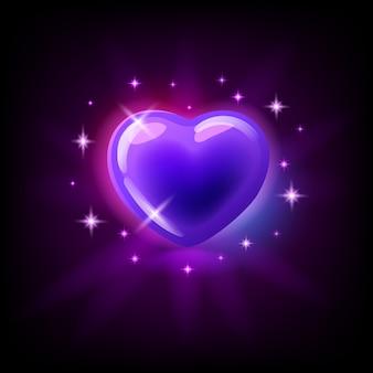 Cuore lucido porpora luminoso con le scintille, icona della scanalatura per il casinò online o logo per il gioco mobile su fondo porpora scuro, illustrazione