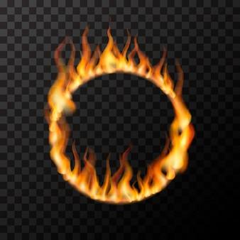 Fiamme di fuoco realistiche luminose a forma di cerchio su trasparente