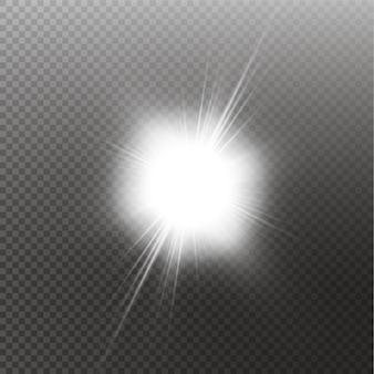 Sole splendente luminoso isolato su priorità bassa nera. effetto luce bagliore.