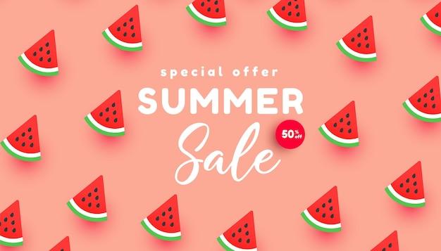 Fondo luminoso dell'insegna di vendita di estate con le fette mature dell'anguria