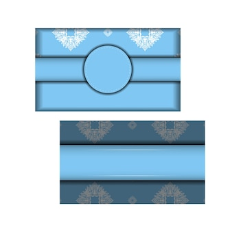 Modello di brochure in colore blu con motivo greco bianco per le tue congratulazioni.
