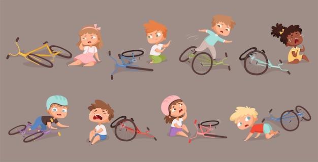 Bicicletta rotta. bambini caduti dalle illustrazioni di incidenti per bambini infelici in bicicletta.