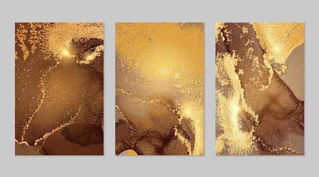 Trame astratte in marmo marrone e fortuna oro