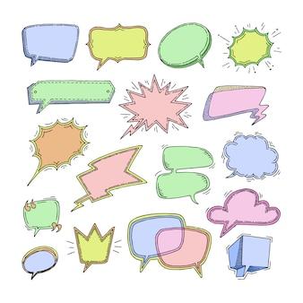 I messaggi gorgoglianti di discorso in bianco delle bolle per la comunicazione o l'insieme di dialogo dello schizzo pieno di bolle di chiacchierata del fumetto pensano o parlano sull'illustrazione bianca del fondo