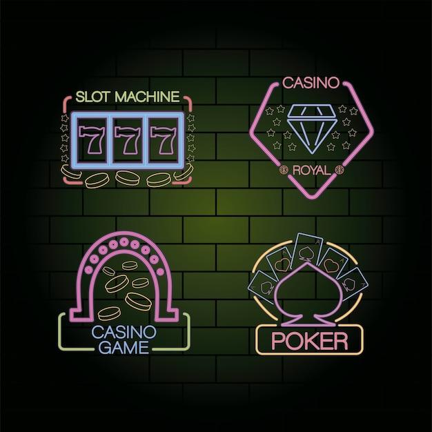 Pacchetto di quattro etichette di luci al neon del casinò nel muro