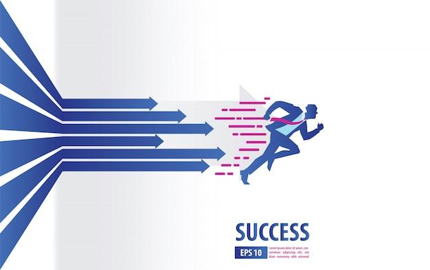 Concetto delle frecce di affari con l'uomo d'affari che corre al successo