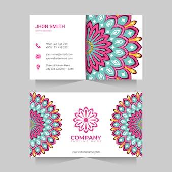Biglietto da visita con mandala colorati