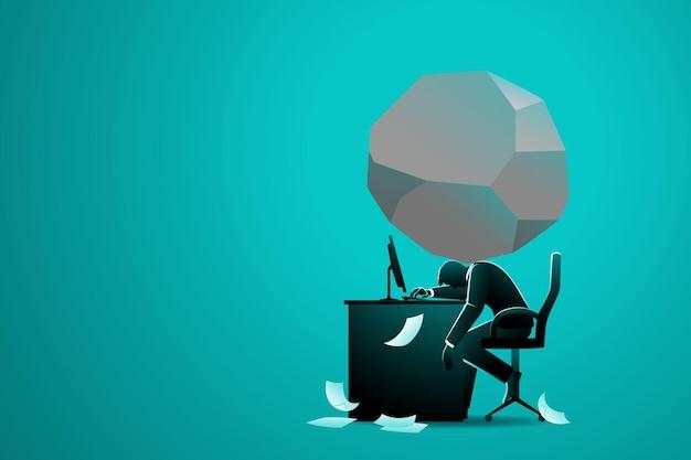 Concetto di affari, uomo d'affari seduto alla scrivania del computer con grande masso sulla nuca