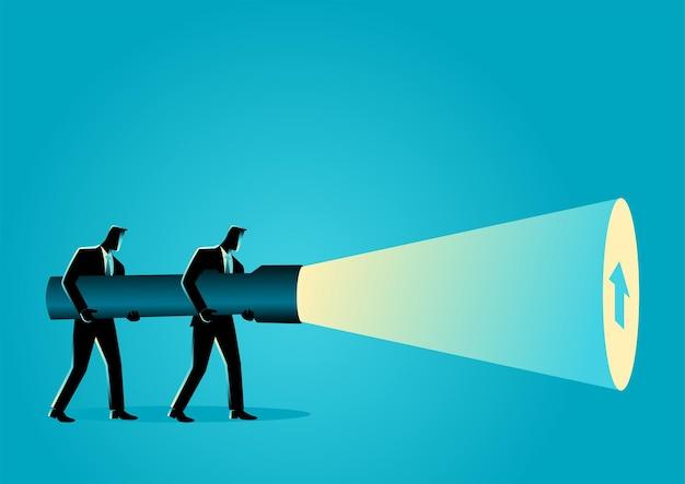 Illustrazione di vettore di concetto di affari degli uomini d'affari che tengono una torcia elettrica gigante che scopre il segno della freccia.