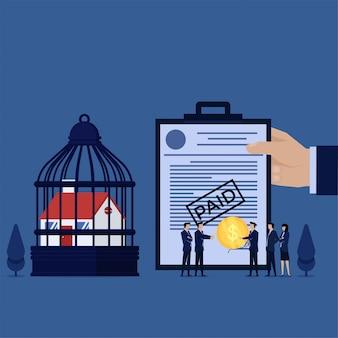 L'uomo piano di concetto di vettore di affari dà la moneta al gestore di banca per riscattare la metafora confiscata della casa del debito di paga.