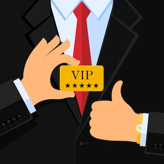 L'uomo di affari in vestito nero dà il pollice sul segno e tiene una carta di vip. design piatto.