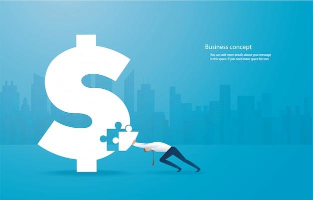 Uomo di affari che unisce l'icona del dollaro di puzzle