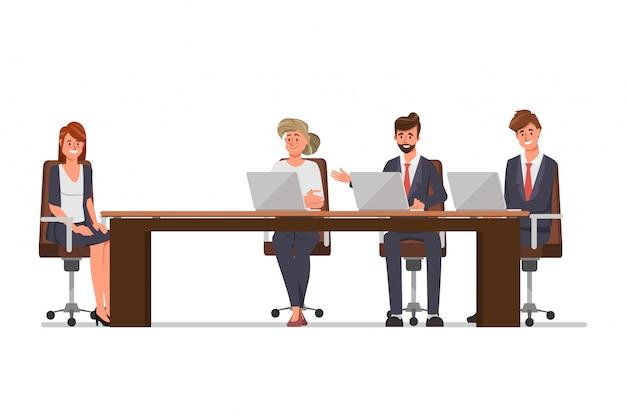 Gli uomini d'affari intervistano un nuovo dipendente per l'assunzione di lavoro. applicare il concetto di lavoro. illustrazione del fumetto in stile piano