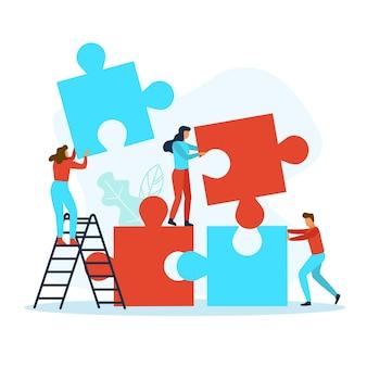 Uomini d'affari con pezzi di un puzzle che lavorano insieme. concetto di lavoro di squadra.