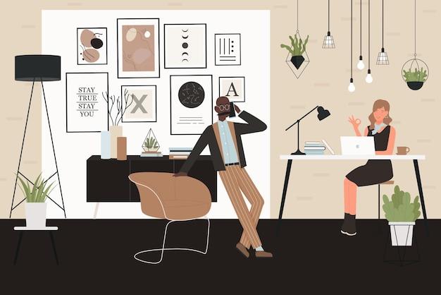 La gente di affari lavora nell'illustrazione di vettore dell'interiore dell'ufficio. carattere dell'uomo d'affari del fumetto che parla sul telefono, impiegato della giovane donna che si siede con il computer portatile allo scrittorio