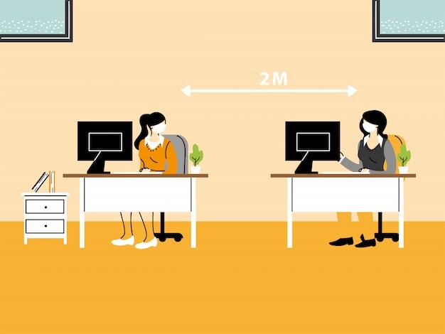 Gli uomini d'affari che lavorano in ufficio e mantengono la distanza sociale, indossano una maschera per prevenire la diffusione del virus