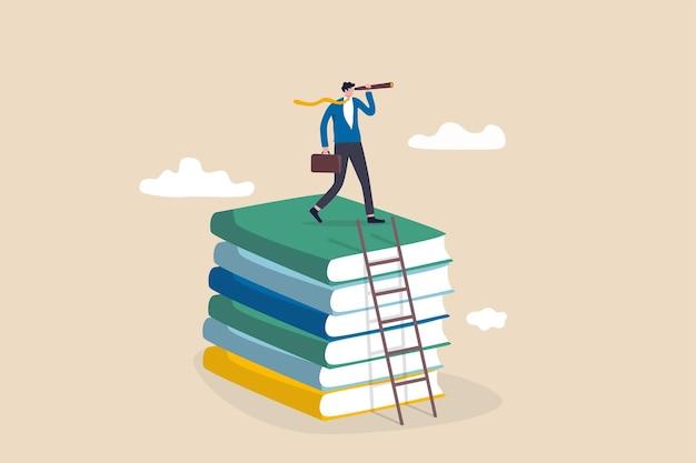 Competenze commerciali per opportunità di carriera, conoscenza o istruzione per lavoro futuro, sfida e miglioramento personale, concetto di lista di lettura, uomo d'affari salire la scala sulla pila di libri per una buona visione.