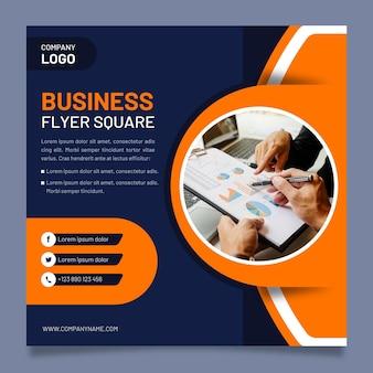 Modello quadrato di affari