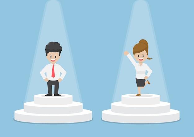 Uomo d'affari e imprenditrice in piedi e splendente sul piedistallo, fiducia e concetto di successo
