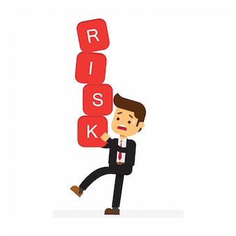 Uomo d'affari che trasportano blocchi di rischio