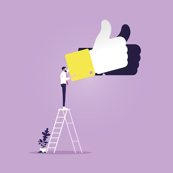 Uomo d'affari che scala la scala per il segno e il successo del pollice in su