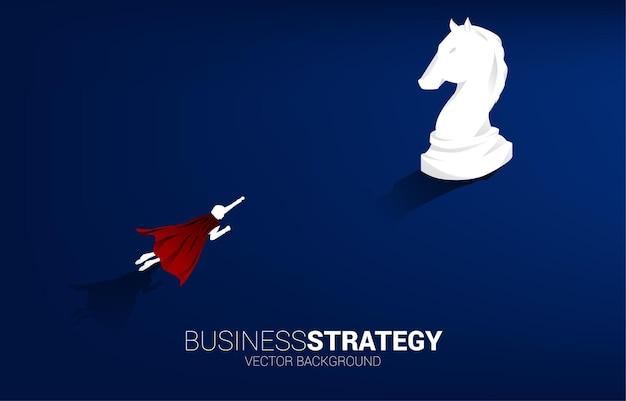 Uomo d'affari che vola al vettore della siluetta 3d del pezzo degli scacchi del cavaliere. icona per la pianificazione aziendale e il pensiero strategico