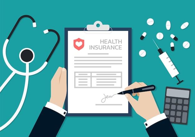 Mani dell'uomo d'affari che firmano sul documento del modulo di assicurazione sanitaria, concetto di affari