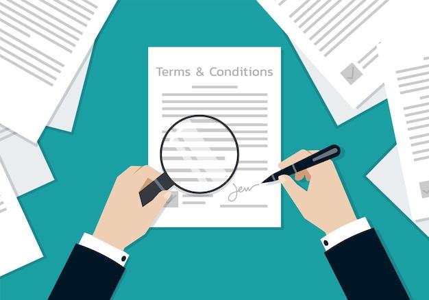 Mani dell'uomo d'affari che firmano sui termini e le condizioni formano il documento, il concetto di affari