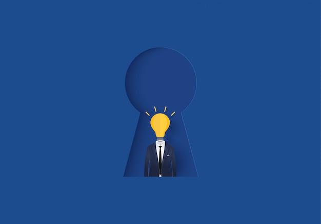 Lampadina dell'uomo d'affari nell'affare di ispirazione di concetto del buco della serratura
