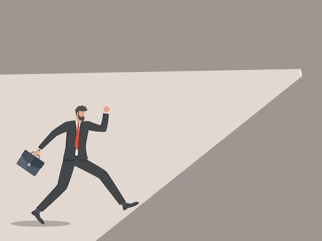 L'uomo d'affari corse verso la sorgente luminosa, il concetto di soluzioni aziendali.