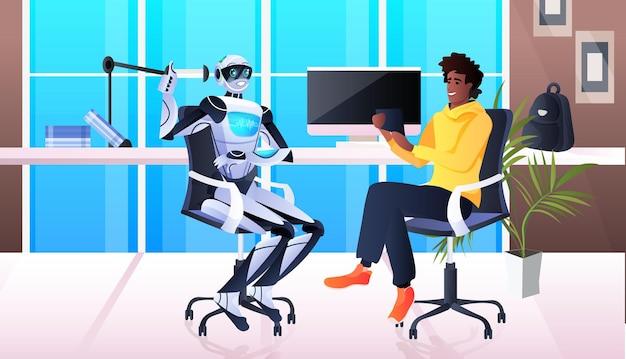 Uomo d'affari e robot che discutono durante la riunione concetto di tecnologia di intelligenza artificiale di comunicazione di partenariato