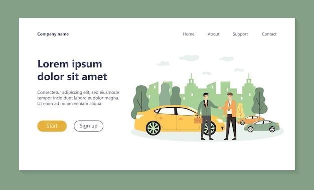 Uomo d'affari che prende il veicolo nella pagina di destinazione del car sharing