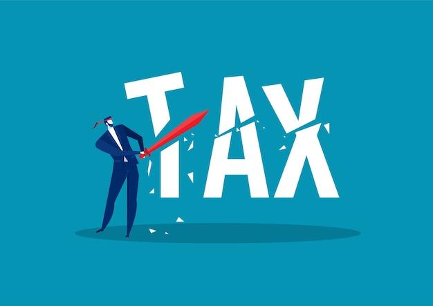 Uomo d'affari che utilizza la spada per tagliare la parola riduzione fiscale concetto