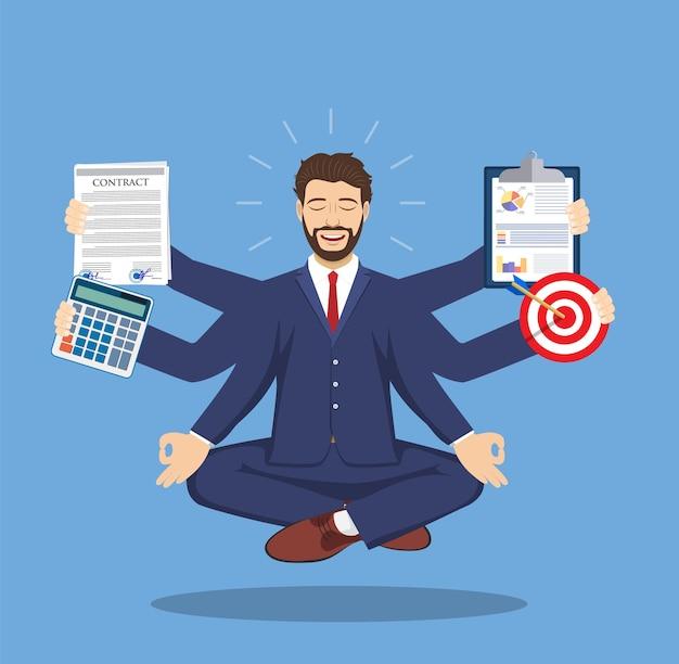 Uomo d'affari con molte braccia multitasking che svolgono varie attività di ufficio nella posa del loto.