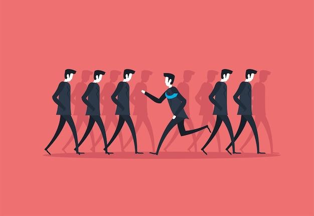 Uomini d'affari che camminano e corrono