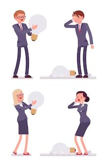 Uomini d'affari e donne con lampadine, uno è rotto