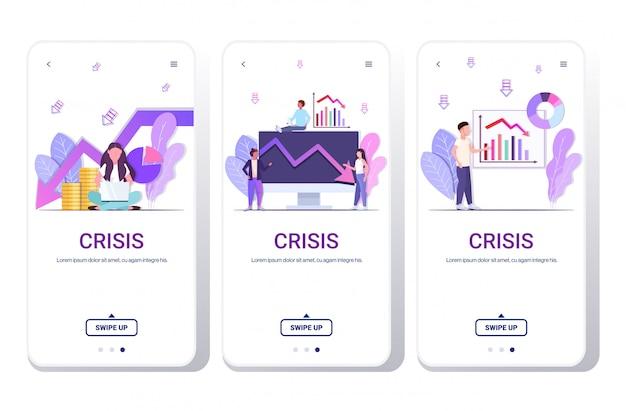 Persone di affari che analizzano i grafici discendenti frustrati circa la freccia economica che cade crisi orizzontale del concetto di fallimento del telefono schermate lo spazio mobile della copia dell'app della copia orizzontale