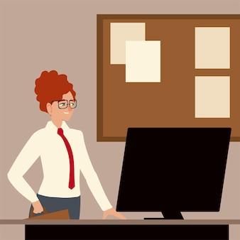 Carattere della donna di affari con il computer sull'illustrazione dell'ufficio della scrivania