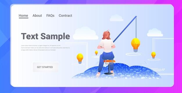 Imprenditrice pesca lampadina luce avvio nuova idea creativa carriera crescita concetto orizzontale a figura intera copia spazio illustrazione