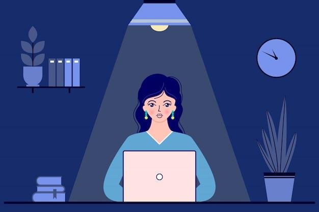 Imprenditrice in ufficio di notte Vettore Premium