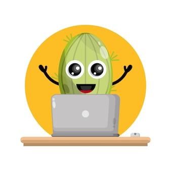 Cactus laptop simpatico personaggio logo