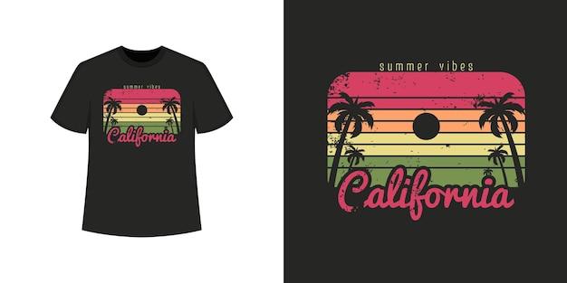 Stile della maglietta della spiaggia dell'oceano della california e design di abbigliamento alla moda con sagome di alberi, tipografia, stampa, illustrazione vettoriale.