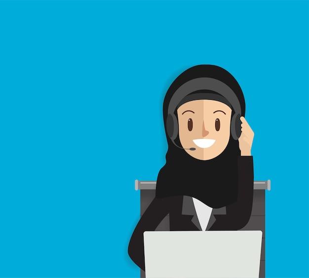 Call center arabo per il servizio di comunicazione online.